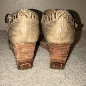 Frye Shoes - Frye Dierdrex stitch wedge size 7M